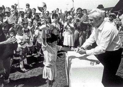 Shlomo Lahat zL met Shai Kooopmans (1995) - © Han Singels
